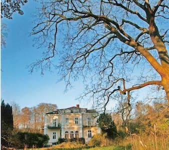 Schloss am Meer direkte Strandlage - Schwedeneck - Villa