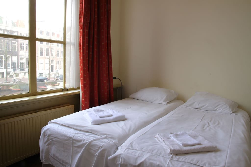 2bd stunning canal view breakfast chambres d 39 h tes for Chambre d hotes amsterdam