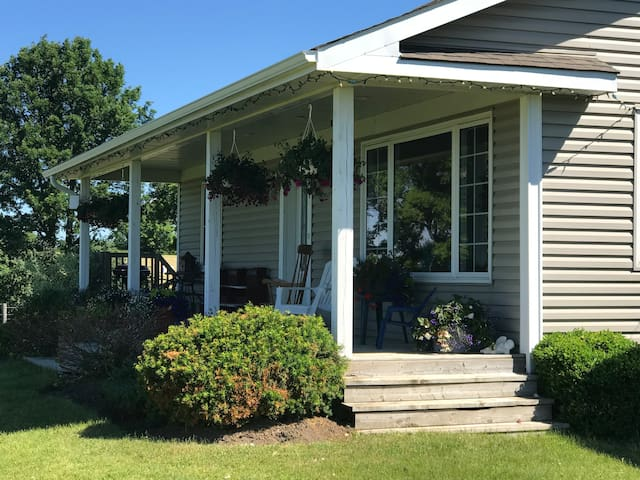 Kawartha Lakes Horse Farm Vacation Getaway