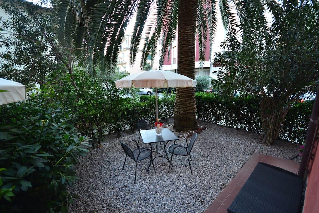 monolocale con giardino appartements louer