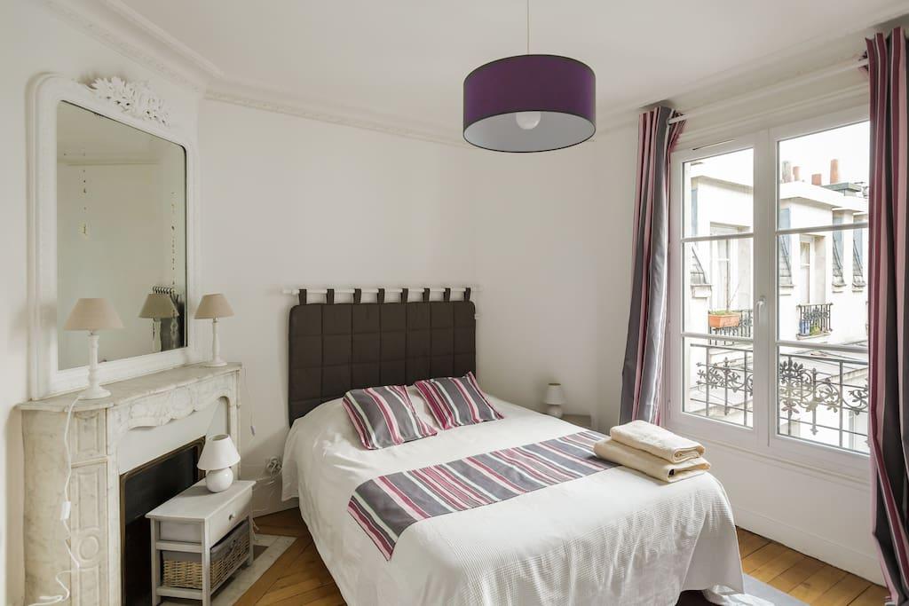 Première chambre pour 2pers. avec lit 140