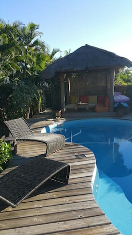Maison+piscine 3 chambres calme - Plateau-Caillou - Huis