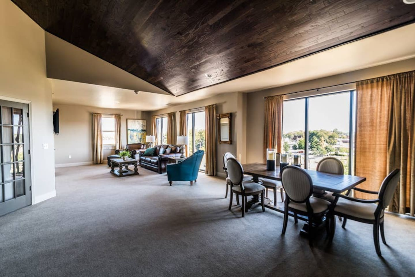 The East Grand Penthouse
