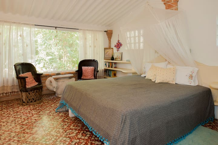 Guadalupe s room casa del jard n treehouses for rent in for Casa jardin sayulita