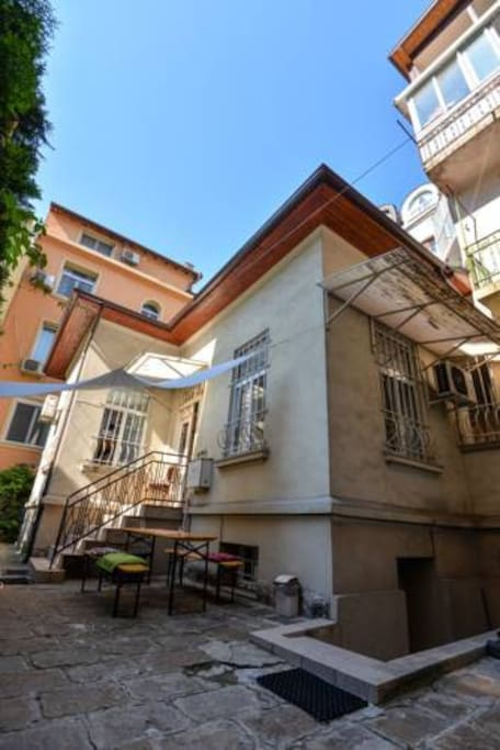 Canape connection private guest house houses for rent in for Canape connection sofia bulgaria