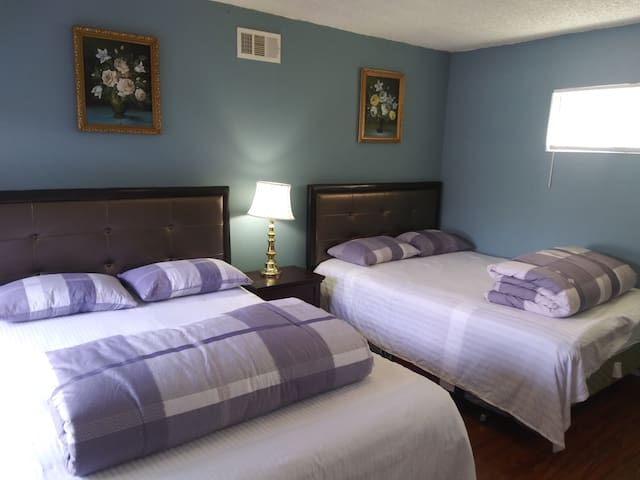 2 bedrooms private guest suite,self check-in & out
