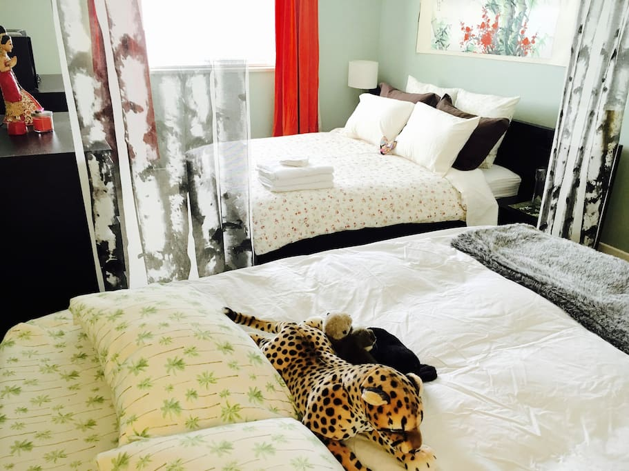Cozy, private guest room, featuring optional Queen Aerobed with memory foam topper. Perfect for extra family or friends.