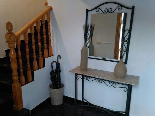 Habitación tres camas - Argamasilla de Alba - Leilighet