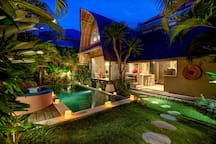The perfect place for a romantic getaway in Seminyak!