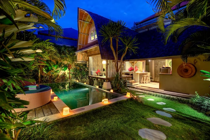 Romantic Luxury Escape Seminyak