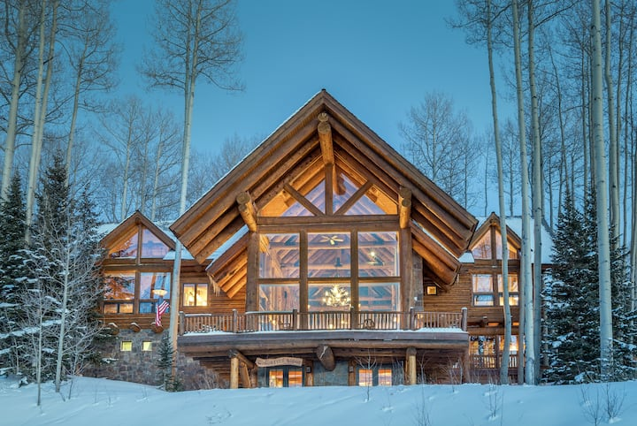 Luxuriously Appointed with International Works of Art, Breathtaking Views & Ski Access