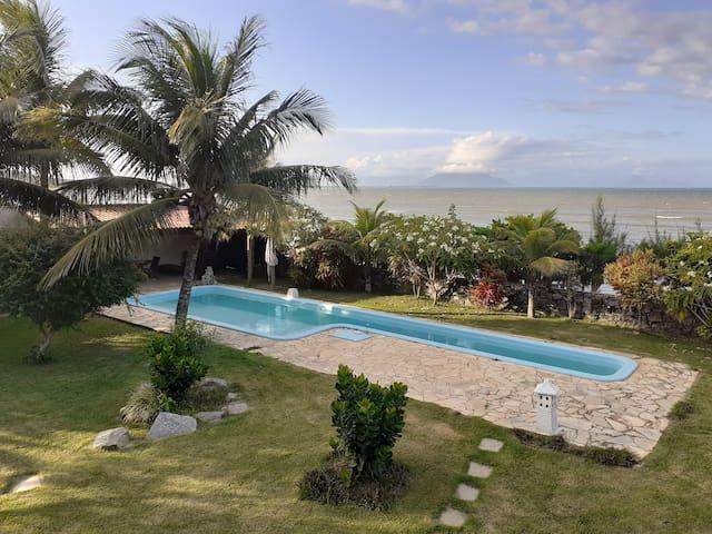 Suite Ampla Beira do Mar com Piscina