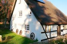 Vorderansicht Haus Hermann; 3 Ferienwohnungen für 10- 15 Personen