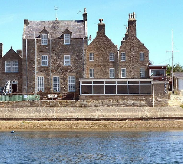 Findhorn House on the Bay