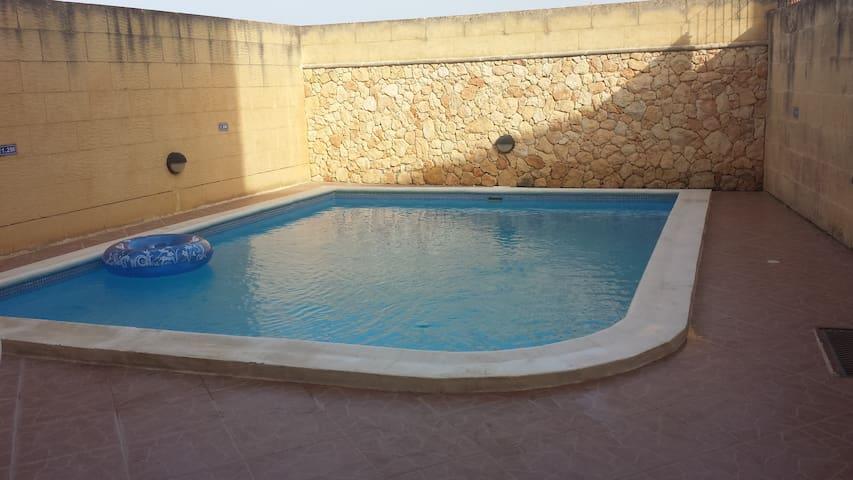Ta Gemma, Nadur Gozo (Sleeps 16) - Nadur, Gozo - Villa