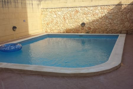 Ta Gemma, Nadur Gozo (Sleeps 16) - Nadur, Gozo