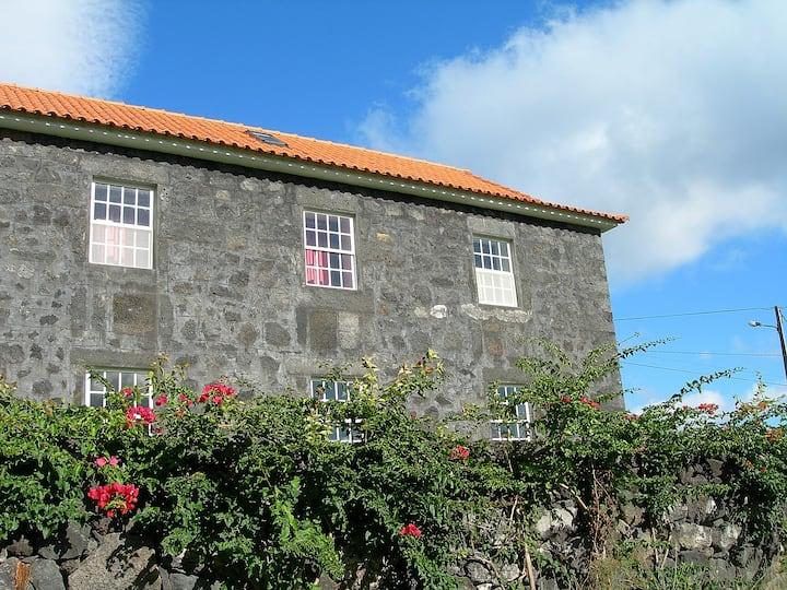 Vivenda Goulart. group/family house. Rural. AL574