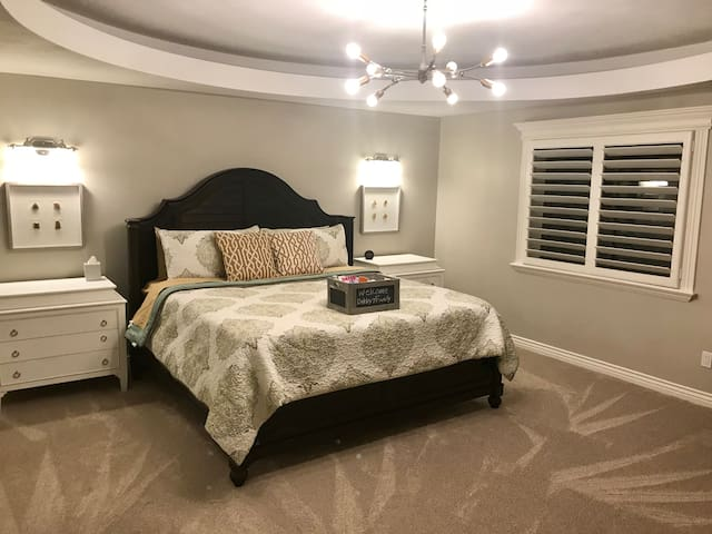 Luxury Guest Suites with Gym and Theater