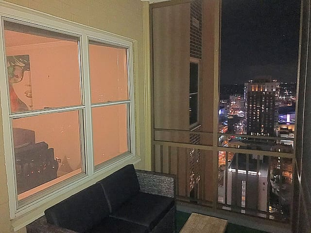 23B: Downtown High Rise Condo! Views & Location!