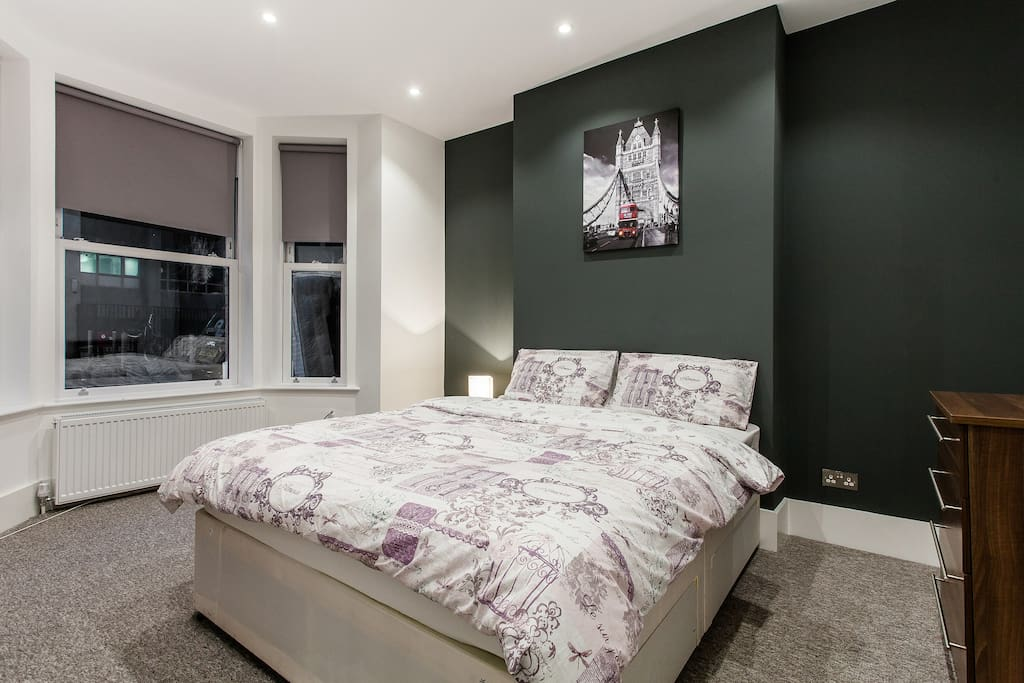Stylish 2 bedroom flat in ZONE 1 - Flats for Rent in ...