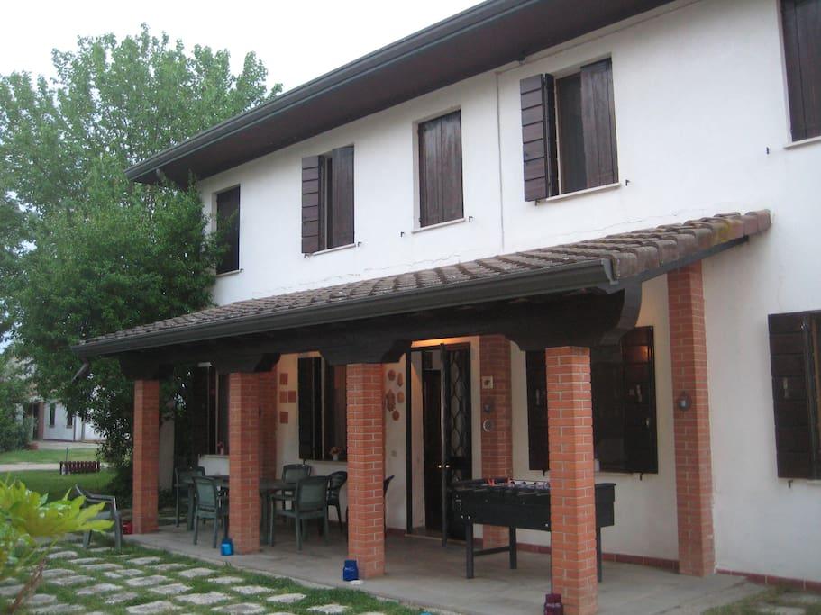 Il portico esterno