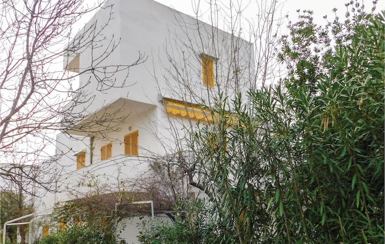 Holiday apartment with 1 bedroom on 70m² in Isola di Capo Rizzuto