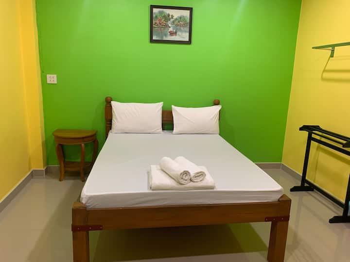 Nice Standard Double Room at Tonrak Apartment