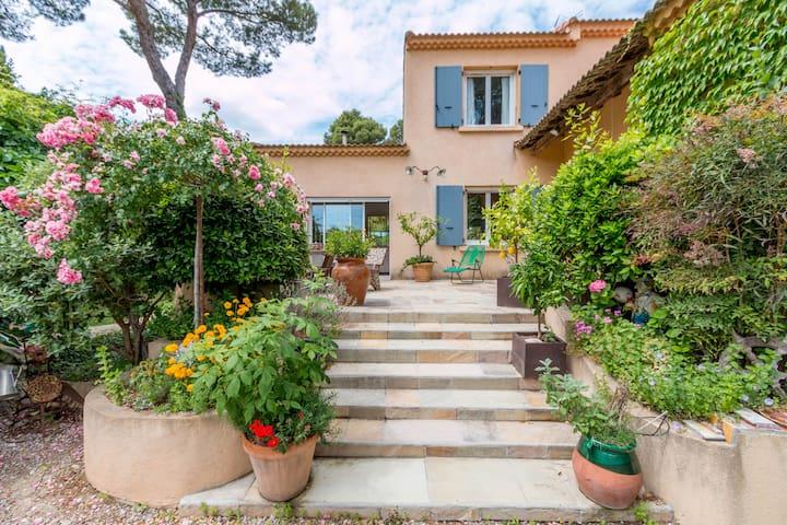 Dans villa dépaysante chambre cosy - Velaux - House