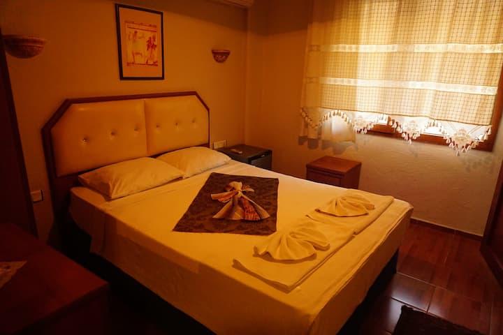 Rebetika Hotel economik room