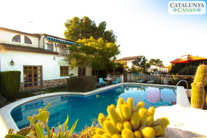 Cozy Castellet casa 8min to beach - Rocallisa - House