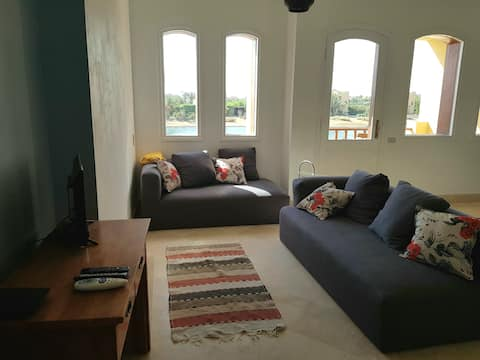 Bright, Quiet 2bed apartment in Upper Nubia w/wifi