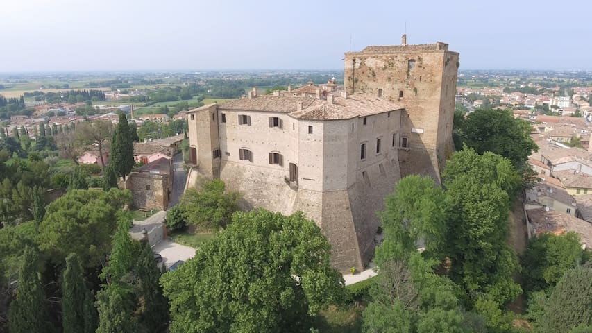 CASTELLO DI SANTARCANGELO - LOCATION PER EVENTI