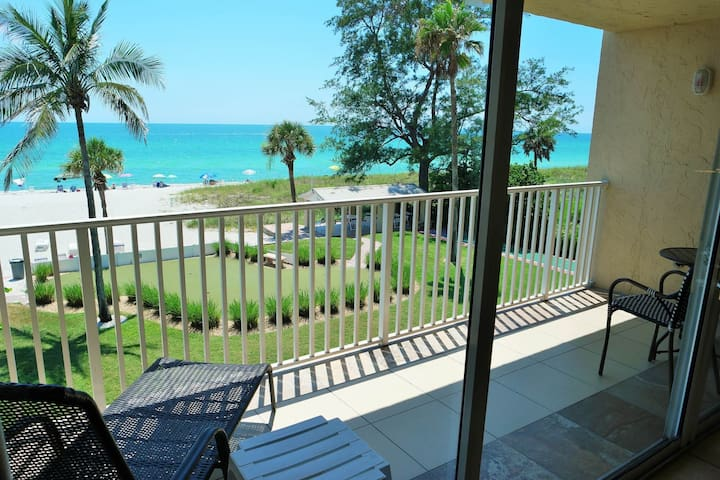 Best views of the beach from your unit 301 balcony