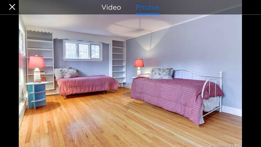 Private room steps to Taft - Watertown - Hus