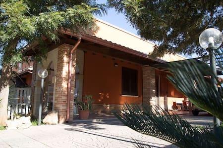 Villa Serena - Latiano - Vila