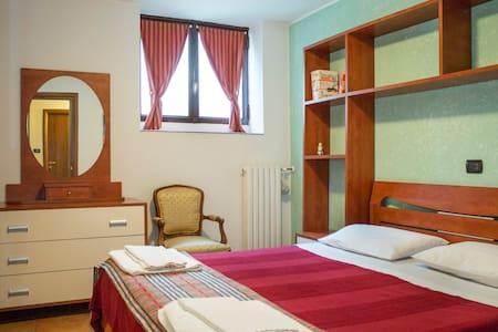 "casa appartamento ""Da Lucia"" - Cabiate - Lejlighed"
