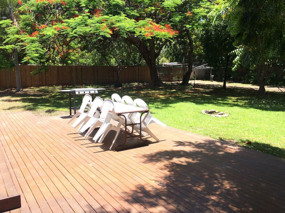Large Deck Flows to Lawns and Pool