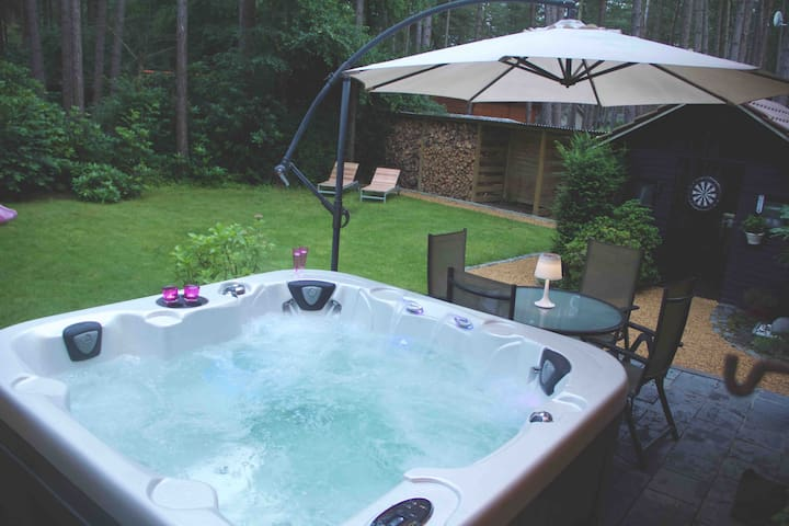 Swiss-Style Chalet Close To Antwerp With Hottub