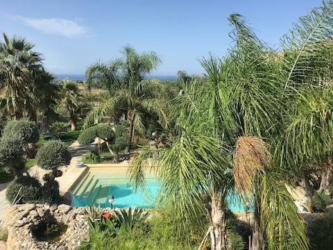Vila su privačiu baseinu ir nuostabiais vaizdais