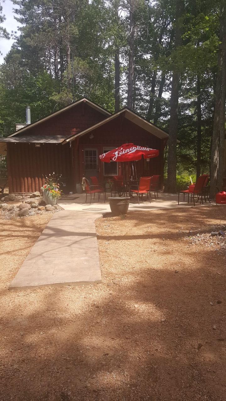 Freshly renovated cabin on peaceful Finger Lake