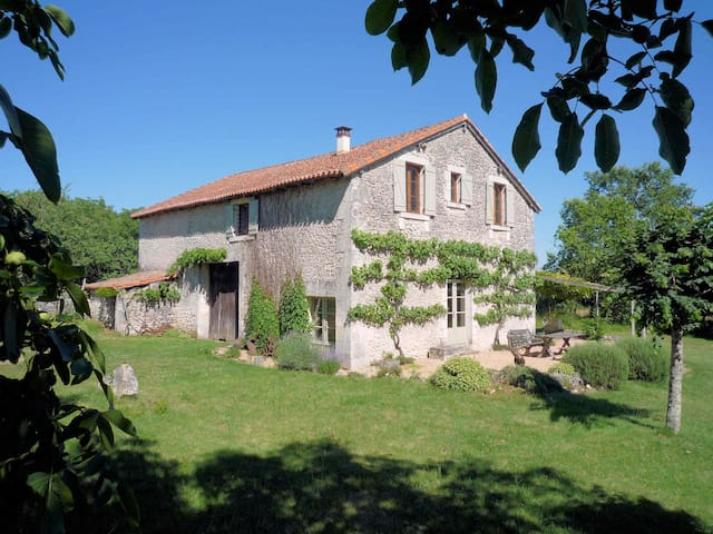 Les Vignasses - a converted barn in the Dordogne