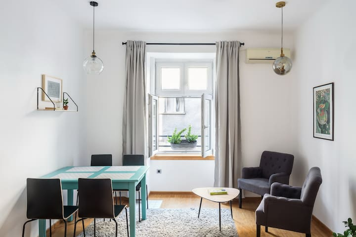 MJ45 - Super Chic, NewApartment in the City Center