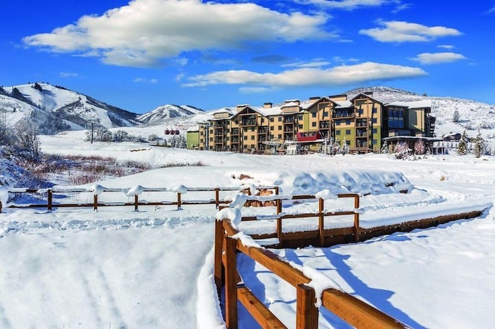 "Park city Resort 2 Bedroom 2 Bath "" SKI IN SKI OUT """