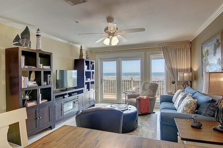 BEACHFRONT 3 bedroom, 3 bath with INCREDIBLE Top Floor Ocean and Pool Views!