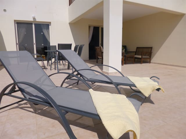 C17 Christina Hilltop, 2 bed with panoramic views - Peyia - Lejlighed