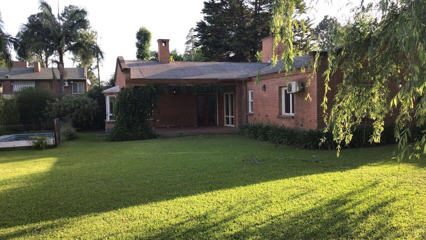 Casa Country Yerba Buena