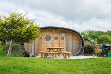 Surf Pods-Glamping - 뷰드(Bude)