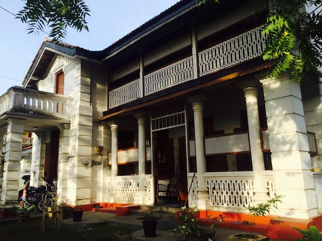 Amazing vintage room in tangalle - Tangalle - Ev