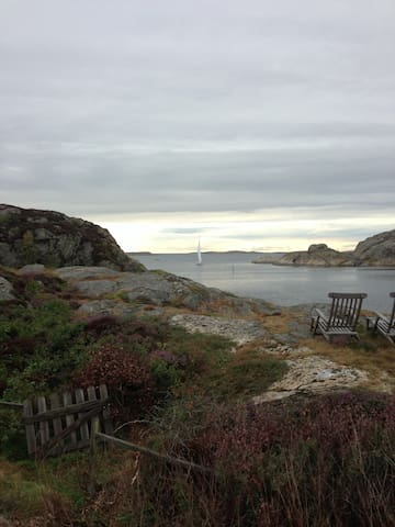 Stunning views, own dock and boat - Grundsund - House