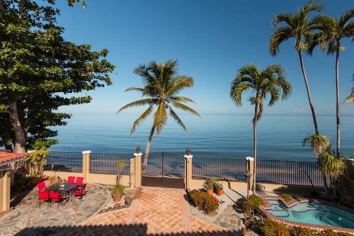 Breathtaking beachfront Villa Evelinda